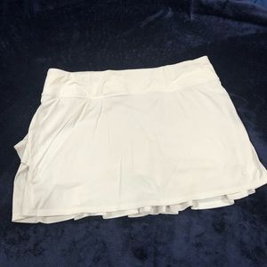 Lululemon White Ruffle Skirt Size 10 Tall